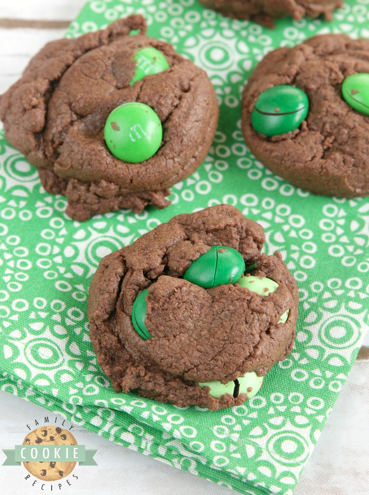 Mint Chocolate Cake Mix cookies are soft, chewy and made with only 4 ingredients! So easy to make these deliciously mint and chocolate flavored cake mix cookies.