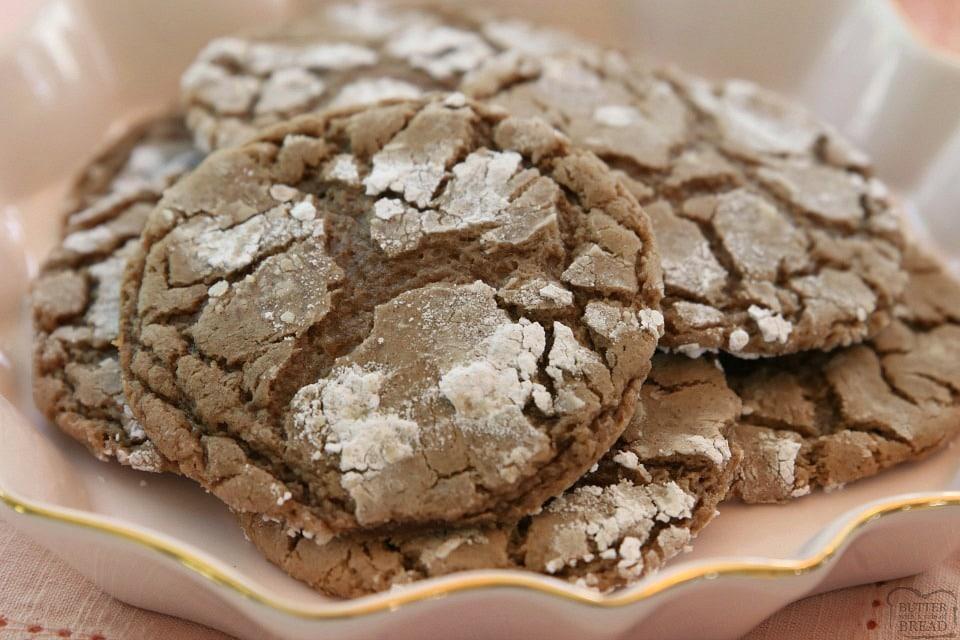 Cinnamon Chocolate Crinkle Cookies recipe